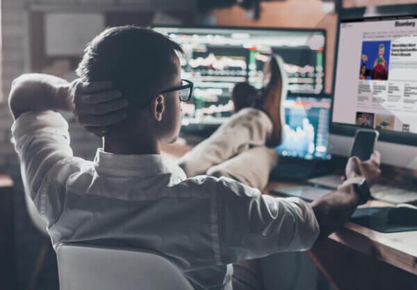 Trading 101: Fundamental vs Technical Analysis