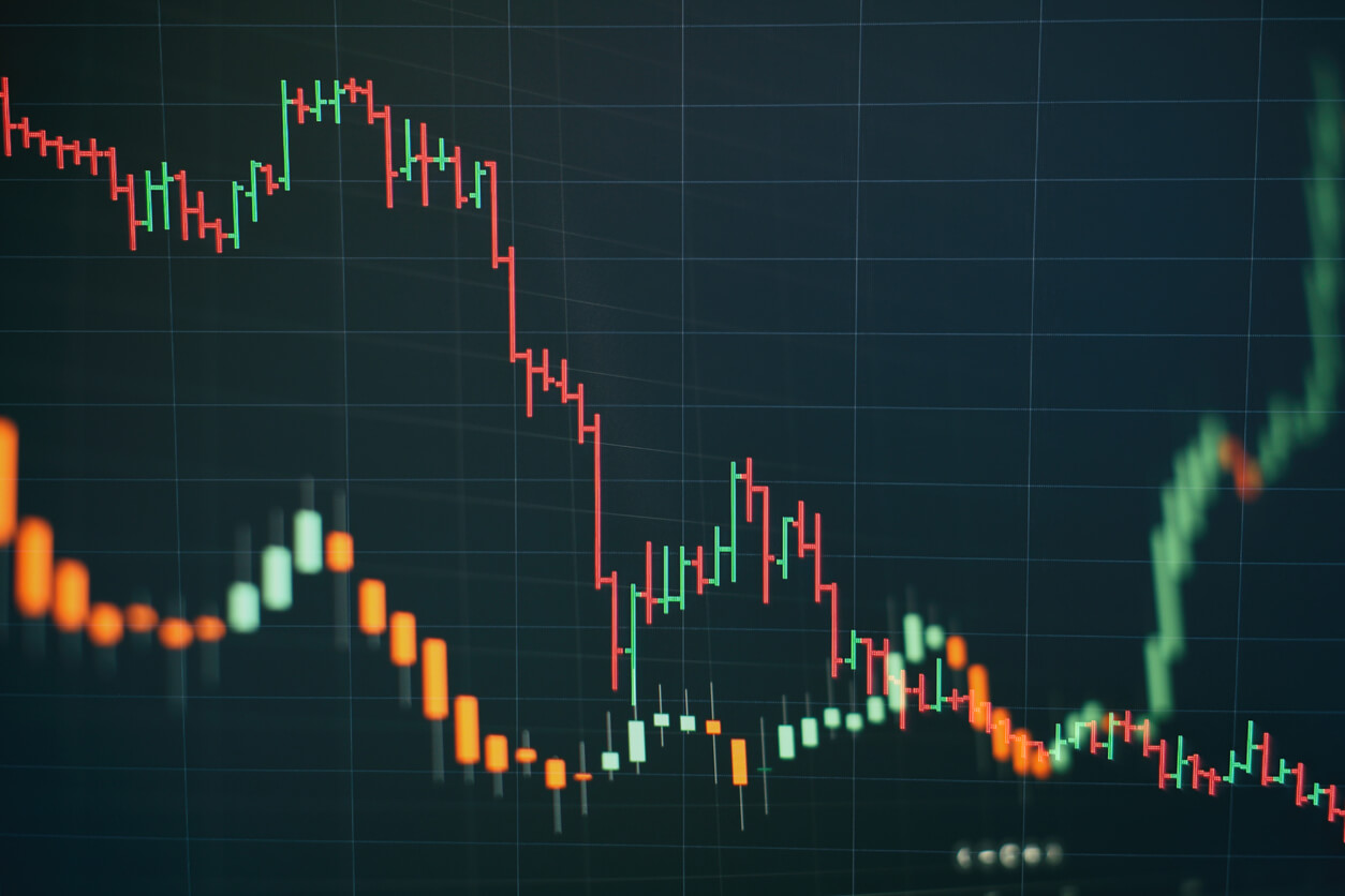 How to trade currency pairs on MT4