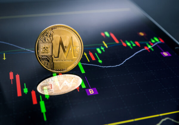Trading Cryptocurrency CFDs vs. Investing: What's the Difference?